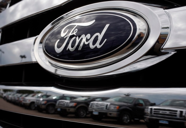 Local Ford dealership visit South High Automotive program to promote jobs in auto trade