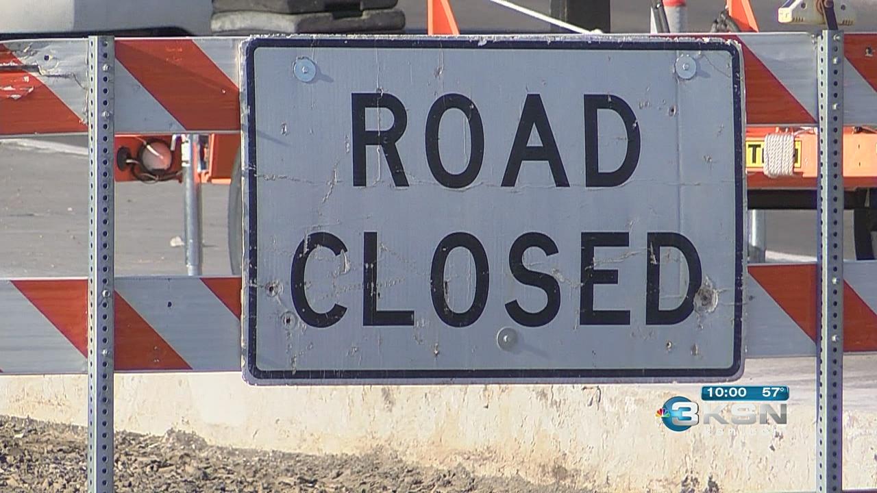 road closed_270326
