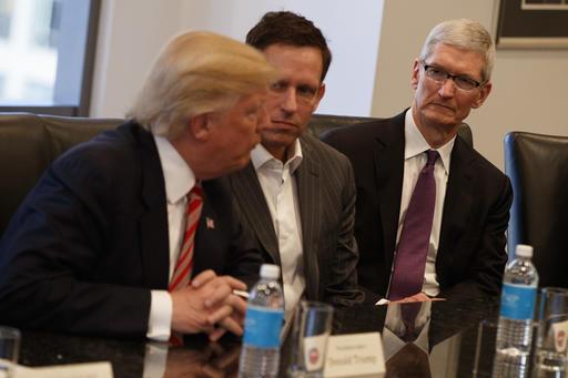 Donald Trump, Tim Cook, Peter Thiel_326776