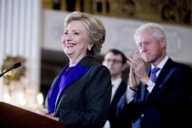 Hillary Clinton concedes_327770