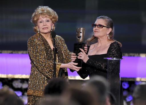 Debbie Reynolds, Carrie Fisher_330508
