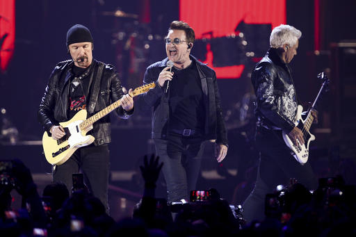 The Edge, Bono, Adam Clayton_331072