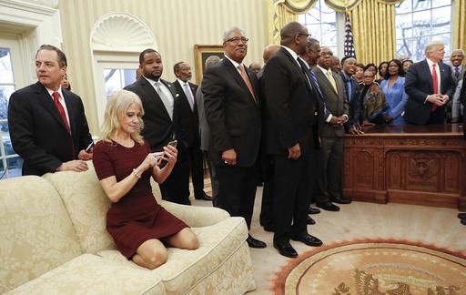 Donald Trump, Reince Preibus, Kellyanne Conway_352412
