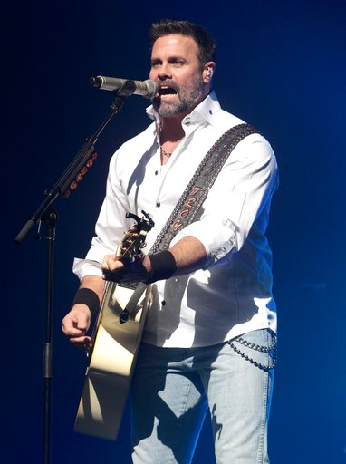 Troy Gentry-Helicopter Crash_445789