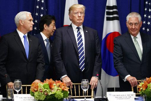 Donald Trump, Moon Jae-in, Shinzo Abe_450094