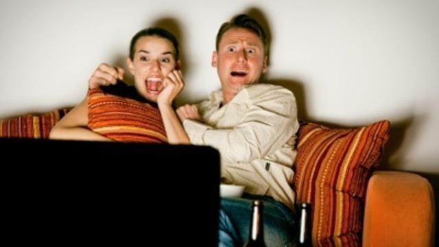 frightened-people-watching-scary-movie-pg-jpg_166390_ver1-0_13866695_ver1-0_640_360_463849