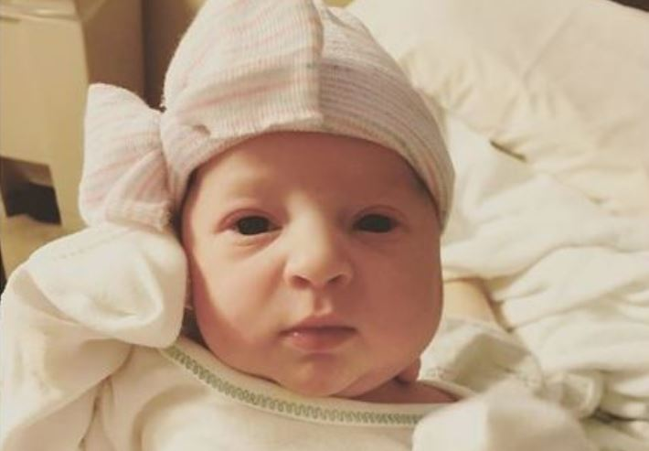baby-born-frozen-embryo_493325