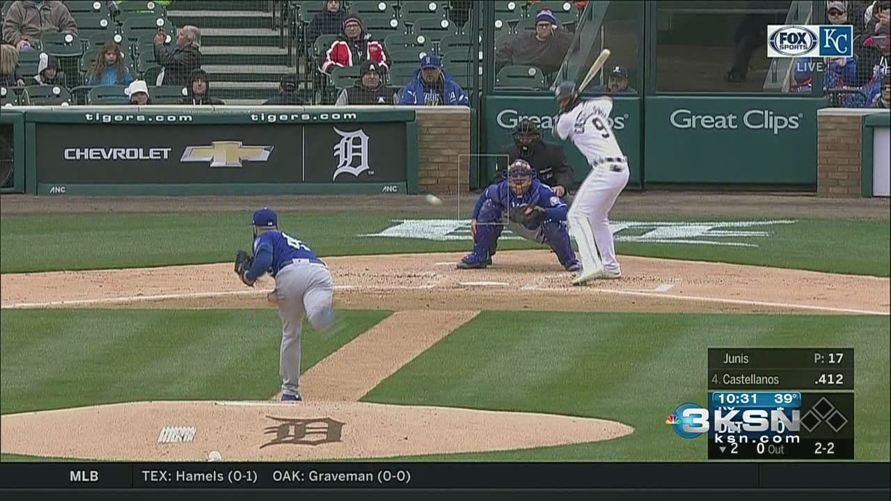 Royals_crack_the_win_column__blanking_th_0_20180404035801
