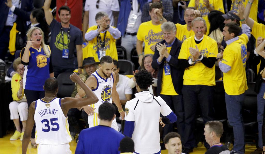 NBA Finals Cavaliers Warriors Basketball_1527863095900