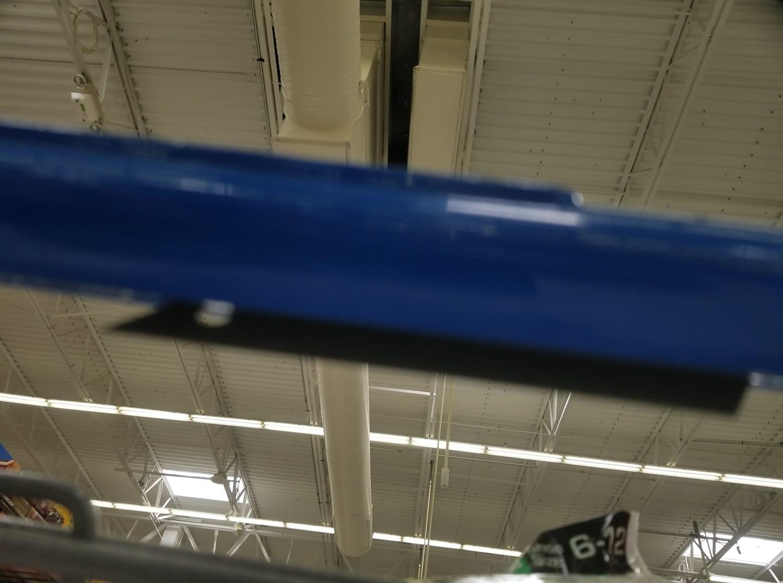 Florida woman cuts finger on razor blade stuck in Walmart shopping cart