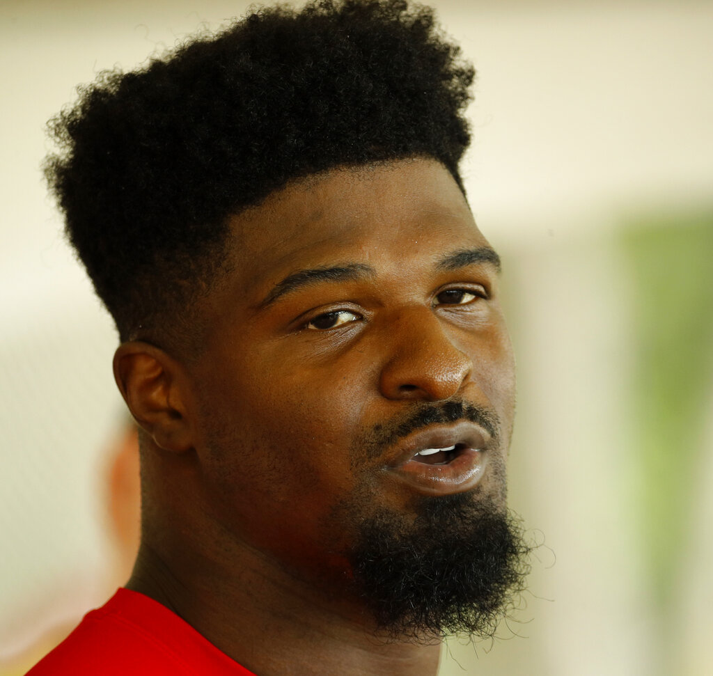 Chiefs Wring Dee Ford Football_1548359276210