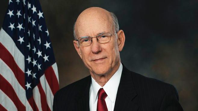 Sen. Pat Roberts.jpg