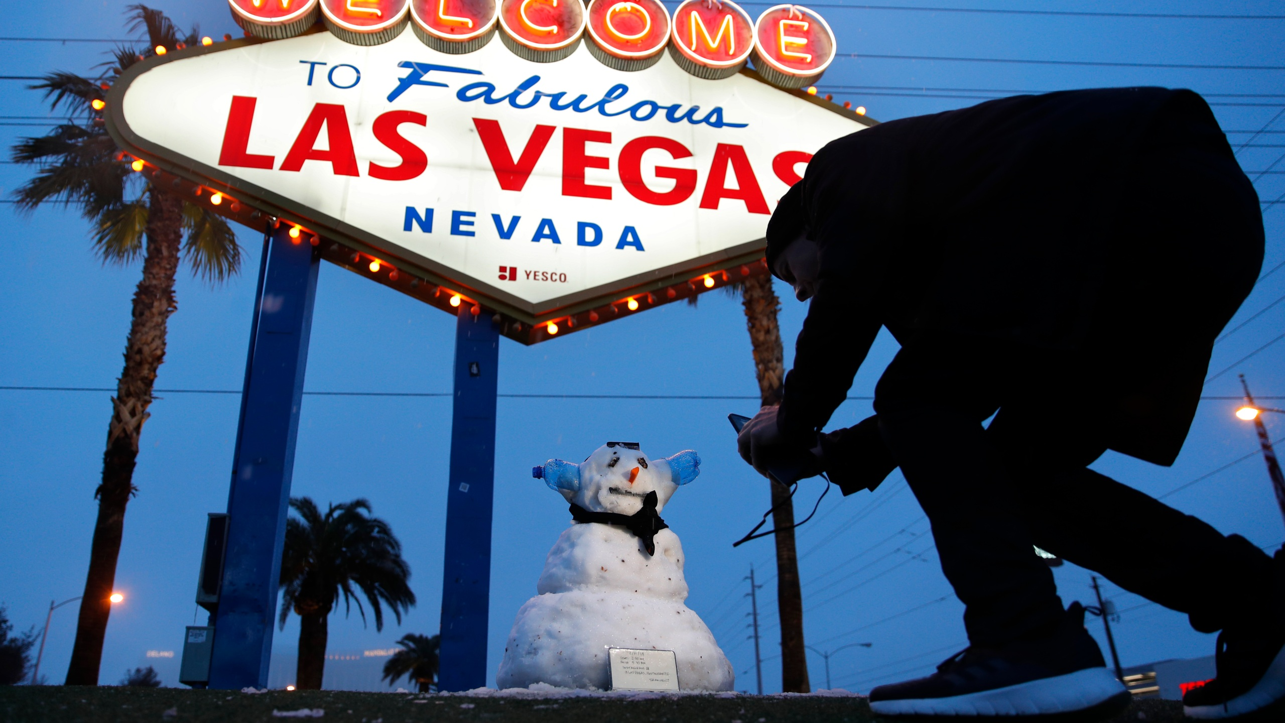 APTOPIX Winter Weather Vegas_1550784113932