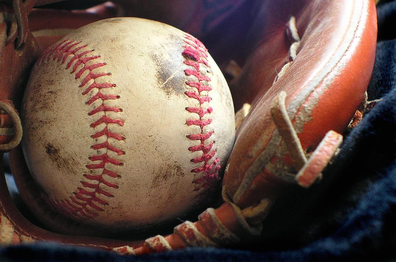 softball-1354947_1280_1537299380281.jpg