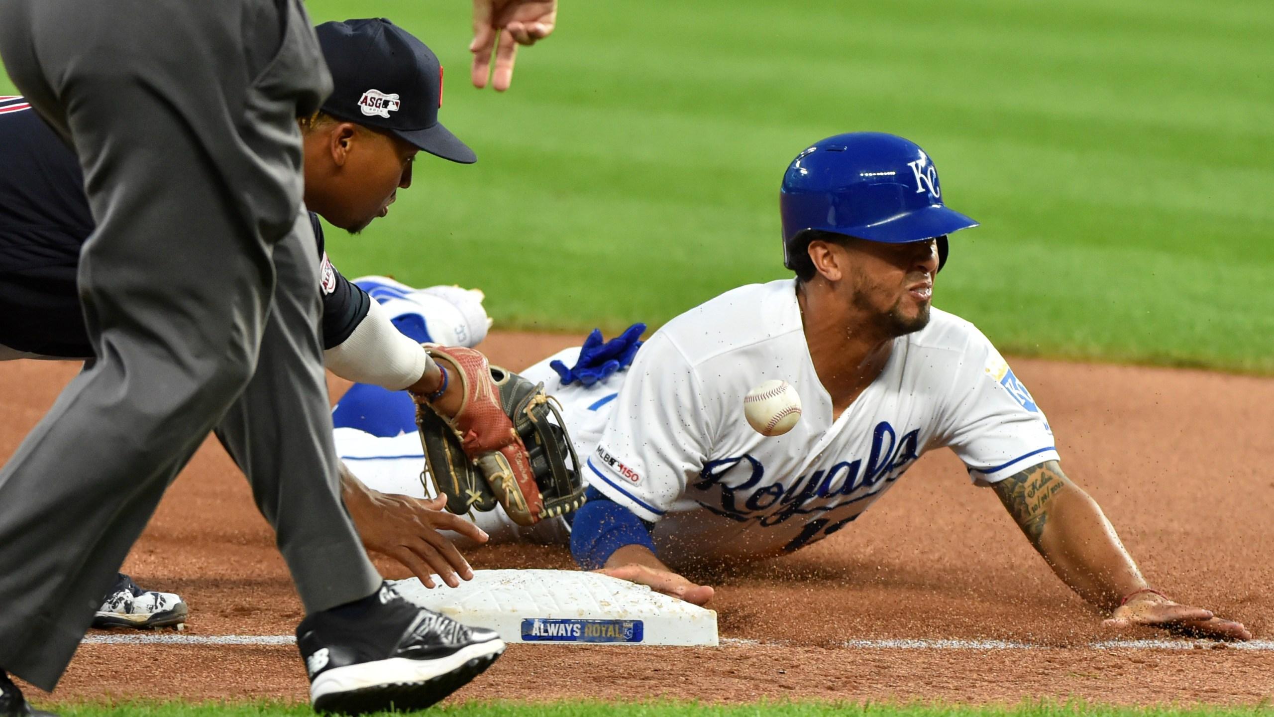 Kipnis hits slam, Indians rout Royals 9-1
